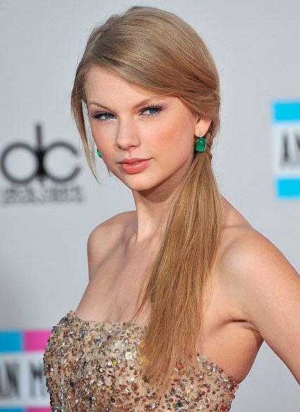 Taylor Swift Hair AMAs 2011