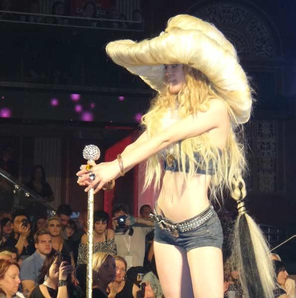 12 04 11 hairwars cagary 2012 1