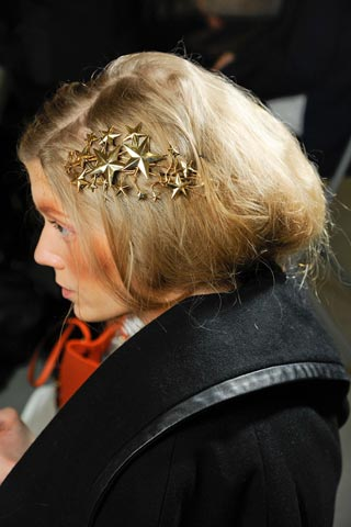 12 04 bride hair trends 2012 5