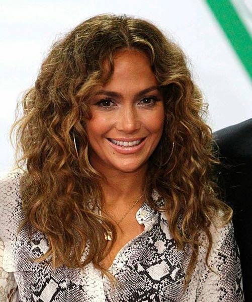 12 06 celebrity hair beauty news jennifer lopez curly