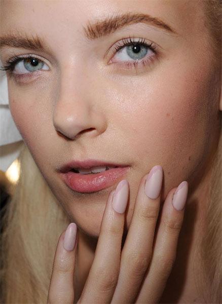 12 09 nyfw ss2013 beauty hair makeup nail trends 4
