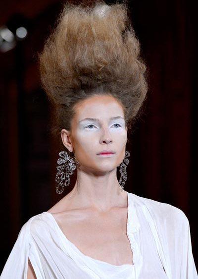 12 10 paris fashion week hair vivienne westwood