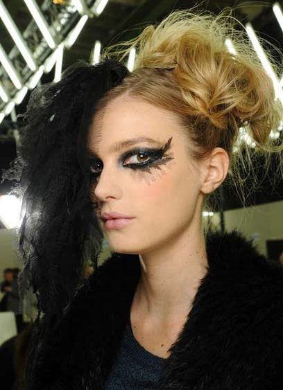 13 01 chanel-couture show hair beauty news