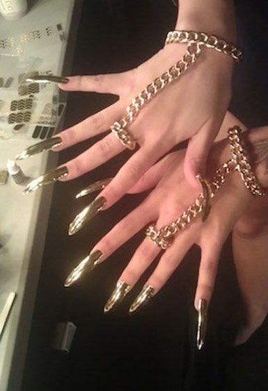 13 01 beyonce super bowl nails manicure
