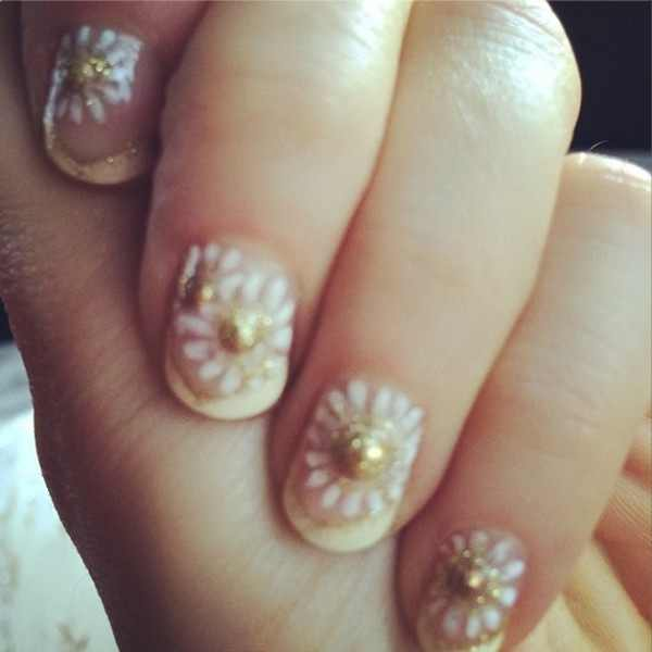 14 01 goldenglobe nail2