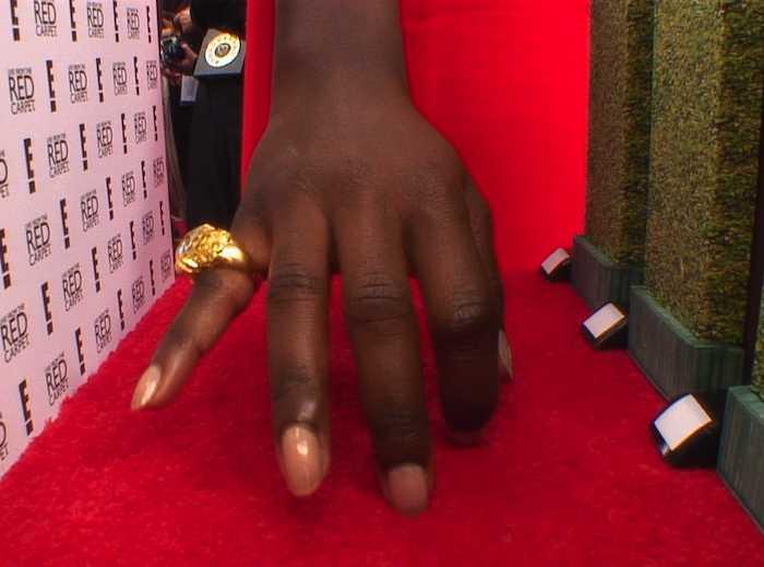 14 01 goldenglobe nail3