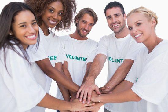 14 02 volunteer salons charity