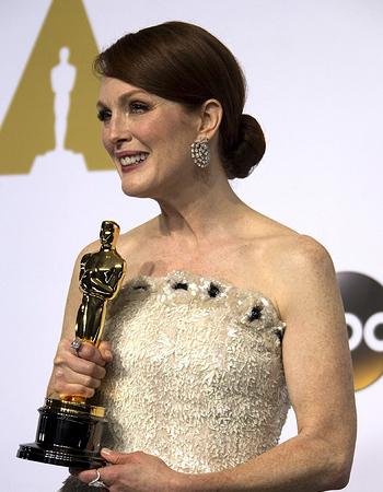 15 02 23 Oscars updo
